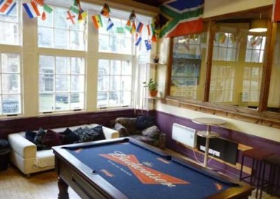 pool-edinburgh-backpackers