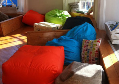 caledonian-backpackers-beanbags
