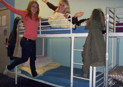 caledonian-backpackers-dorms