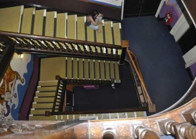 caledonian-backpackers-staircase