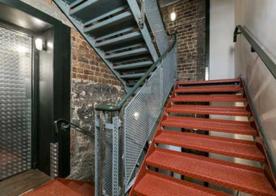 code-hoste-lift-stairs