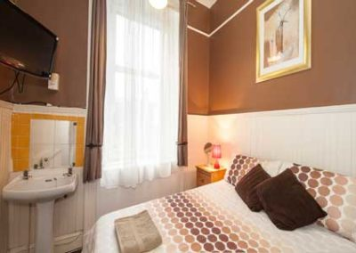 gilmore-room-550-single--edinburgh