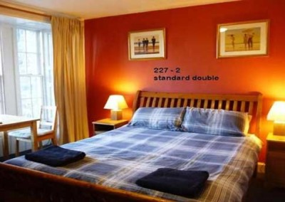 standard-double-edinburgh-backpackers