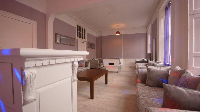 Edinburgh Princes Street Group Apartments 22person